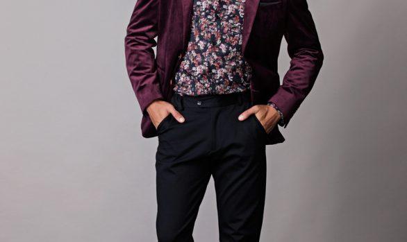 colbert € 99,90<br/>overhemd € 49,90<br/>pantalon € 59,90