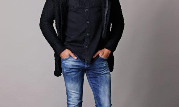 vest € 44,90<br/>hemd € 44,99<br/>jeans € 39,90