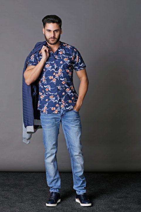 jack € 69,95<br/>overhemd € 34,95<br/>jeans € 59,95