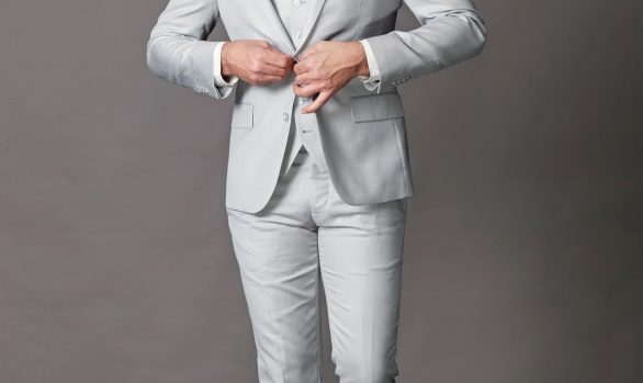3-delig kostuum € 179,90