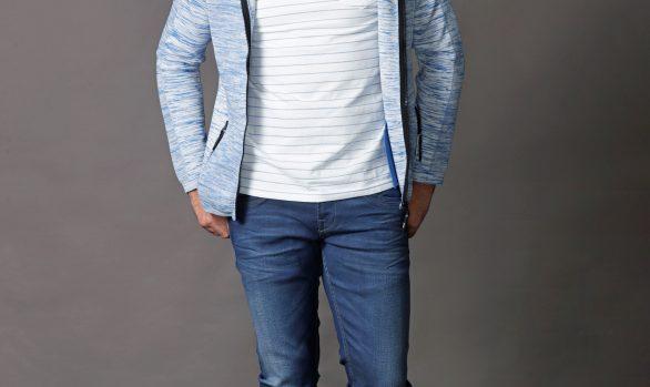 vest € 69,95<br/>t-shirt € 39,95<br/>jeans € 39,99