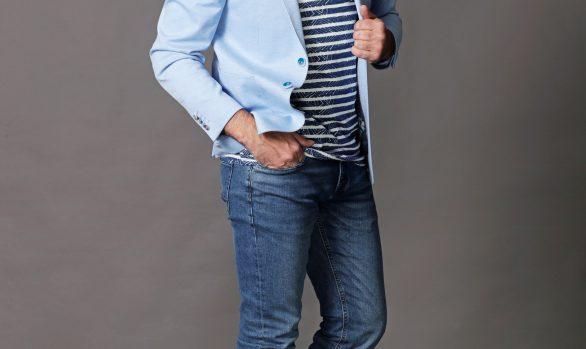 colbert € 109,99<br/>t-shirt € 39,95<br/>jeans € 39,99